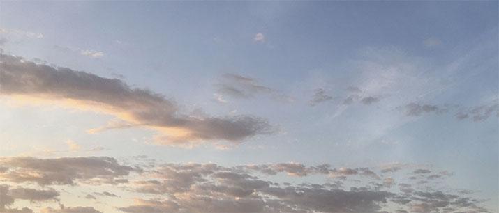 css3淡淡的雾气飞过动画特效